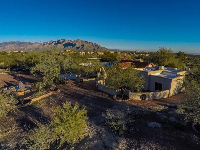 9909 N La Cholla Tucson, AZ 85742